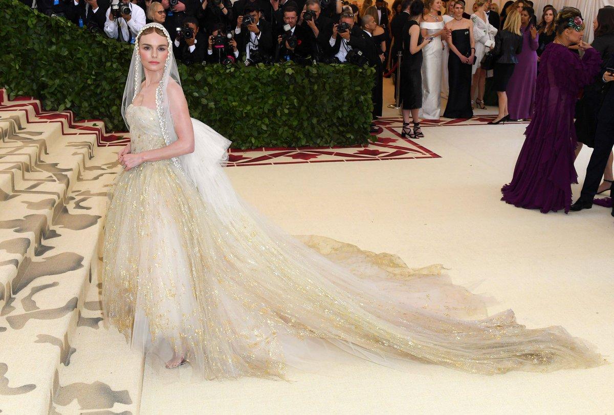 2018-met-gala-red-carpet-kate-bosworth-oscar-de-la-renta-designer-fashion-best-dressed-dream-inlace