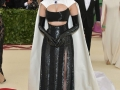 2018-met-gala-red-carpet-Eiza-Gonzalez-prabal-gurung-designer-fashion-dream-in-lace
