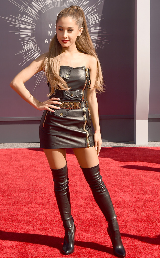 Ariana Grande in Moschino at 2014 Video Music Awards
