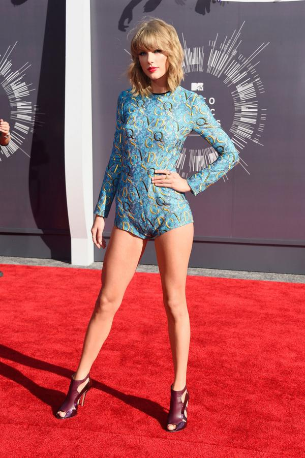 Taylor Swift in Mary Katrantzou at 2014 Video Music Awards, Worst Dressed