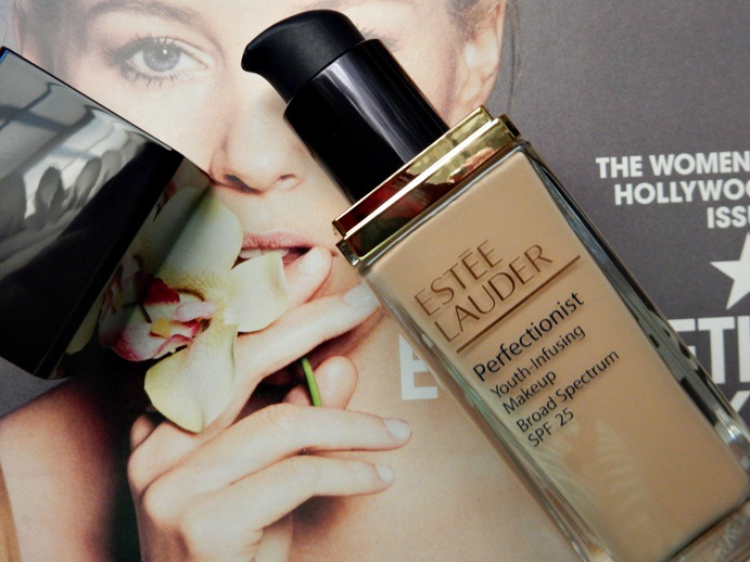 Review Estee Lauder Perfectionist Foundation Dream In Lace