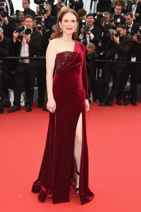 julianne-moore-givenchy-couture-cannes-2015-red-carpet