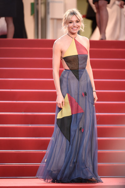 sienna-miller-valentino-couture-cannes-2015-film-festival
