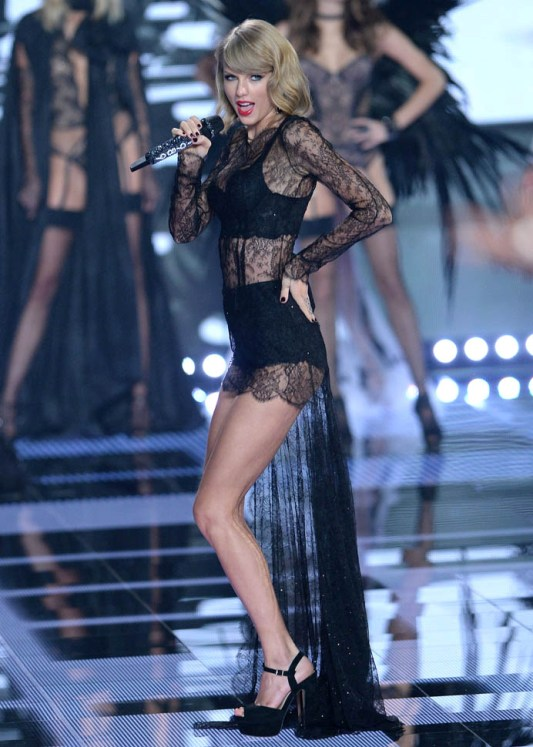 Fitness Taylor Swift S Leg Are Inspirational Dream In Lace