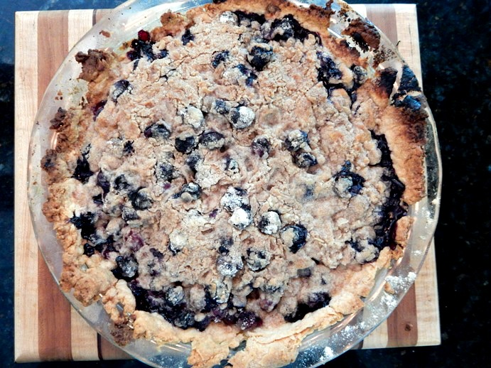 homemade-blueberry-crumb-pie-recipe-1