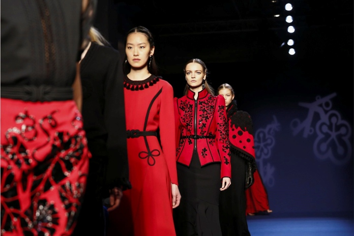 Paris Fashion: Andrew Gn Fall/Winter 2016 Runway Collection