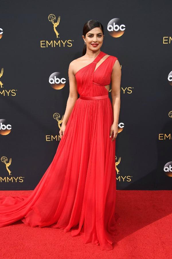 Priyanka Chopra in Jason Wu on the 2016 Emmys Red Carpet - Dream in Lace