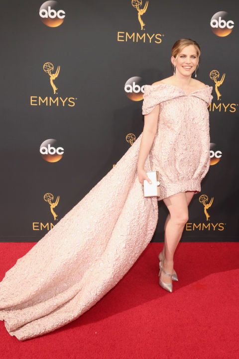 Anna Chlumsky on the 2016 Emmys Red Carpet - Dream in Lace