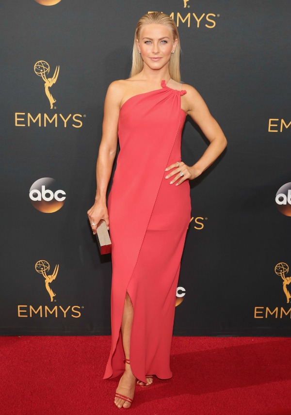 Julianne Hough at the 2016 Emmy Awards Red Carpet - Dream in Lace