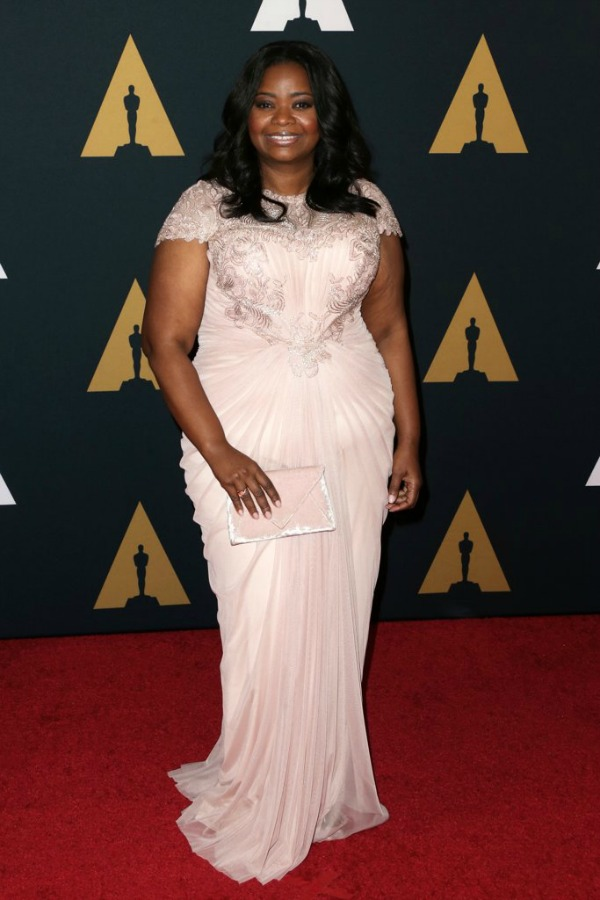 Octavia Spencer in Tadashi Shoji on the 2016 Governors Awards Red Carpet - Dream in Lace