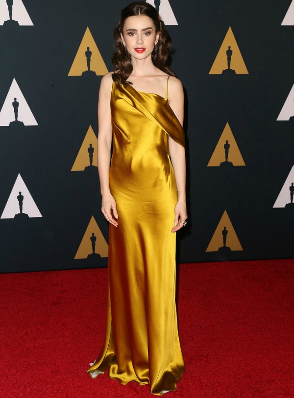 Lily Collins in Amanda Wakeley on the 2016 Governors Awards Red Carpet - Dream in Lace
