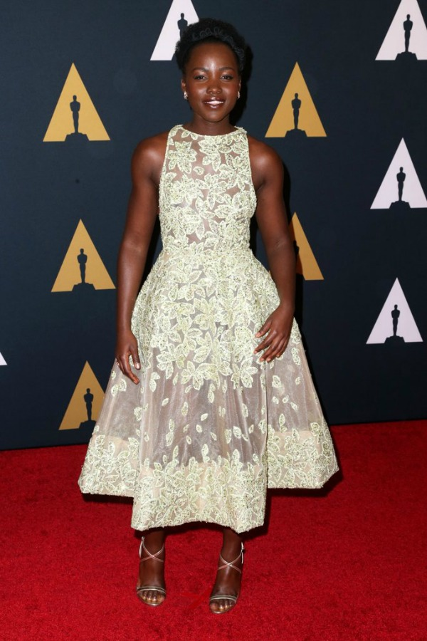 Lupita Nyong'o in Elie Saab on the 2016 Governors Awards Red Carpet - Dream in Lace