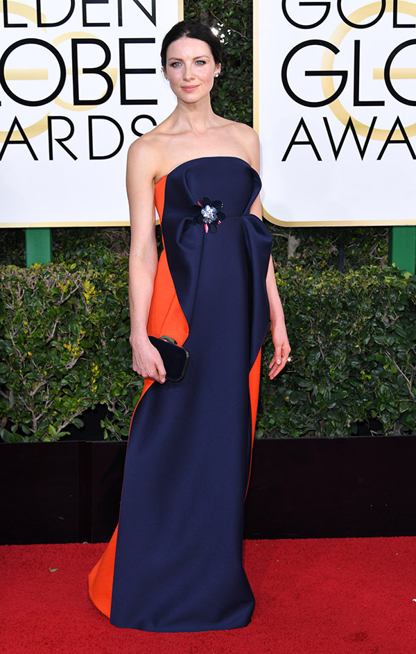 Caitriona Balfe in Delpozo on the 2017 Golden Globes Red Carpet