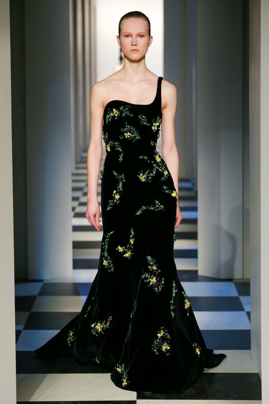 Oscar de la Renta Monse debut - Fall 2017 Runway