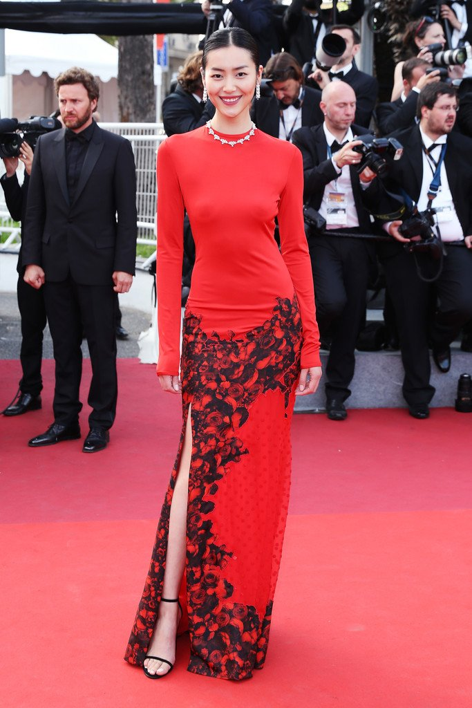 20 Best Cannes 2017 Red Carpet Looks - Liu Wen in Givenchy Couture