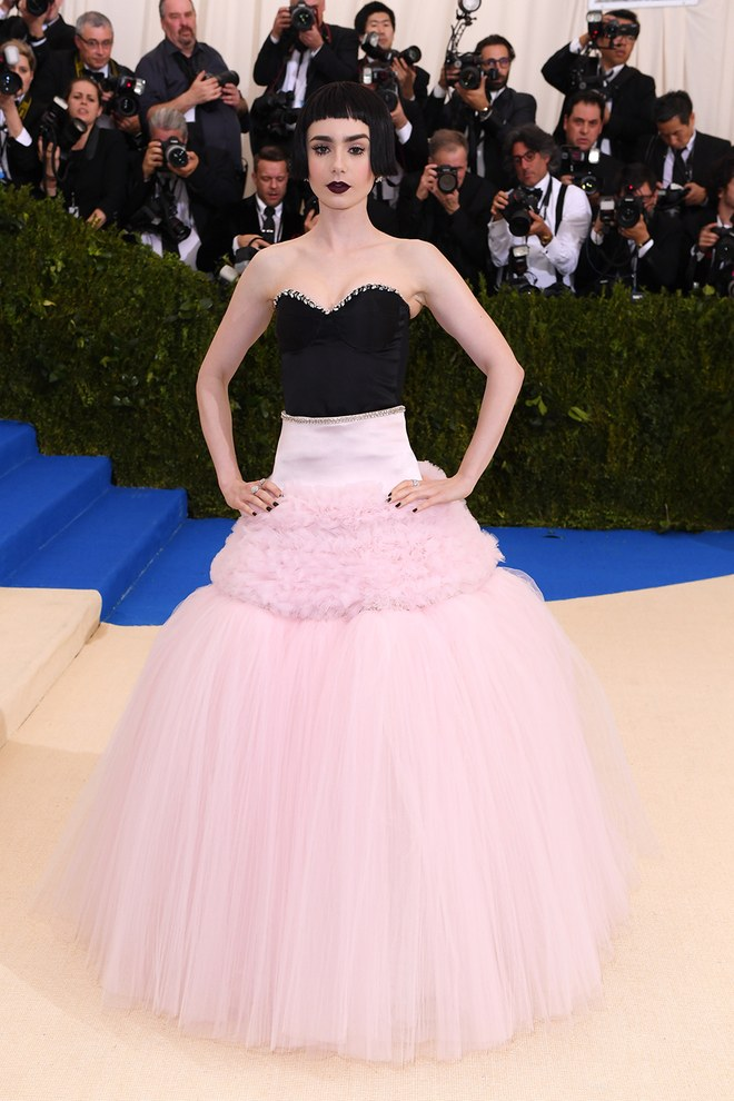2017 Met Gala Red Carpet I Lily Collins in Giambattista Valli