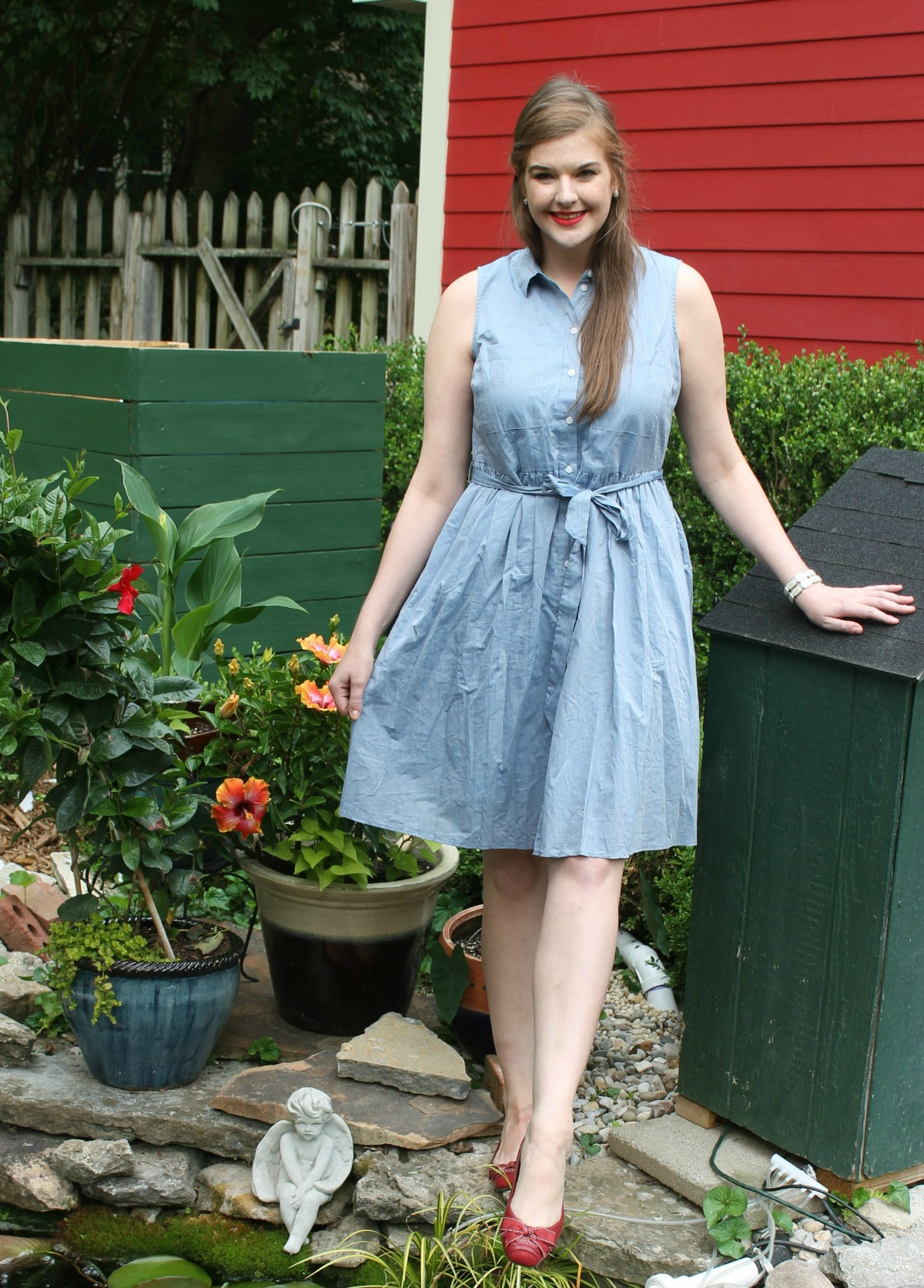 Memorial Day Style I Who What Wear for Target blue denim dress with red bow shoes and lipstick I DreaminLace.com