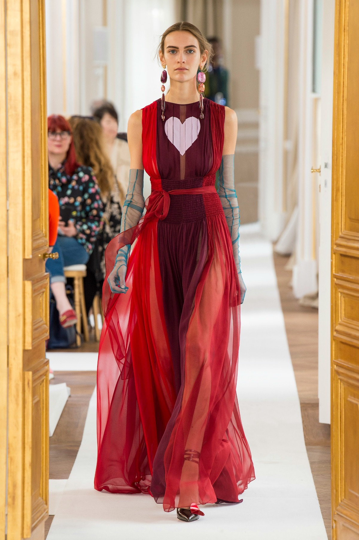 Schiaparelli Fall 2017 Couture Runway I Paris Fashion Week