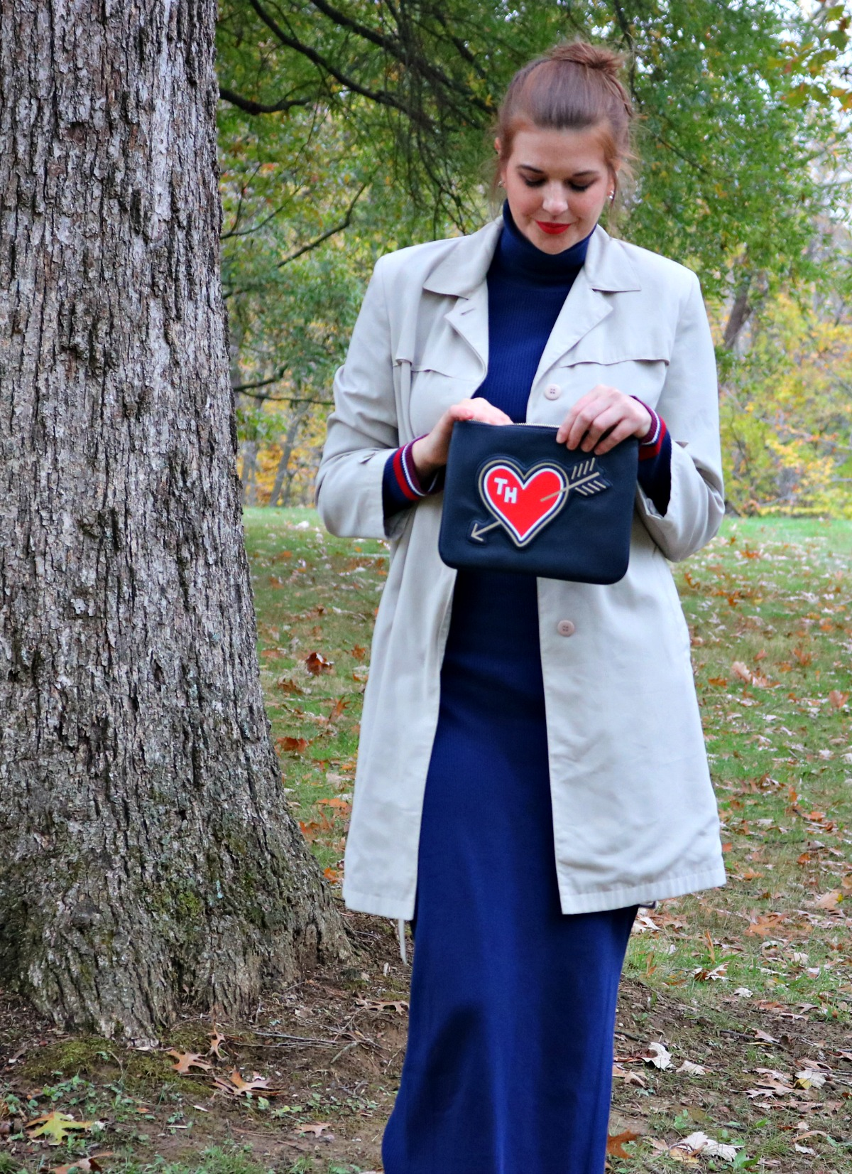 Tommy Girl Style I Tommy Hilfiger Sweater Maxi Dress and Clutch Fall Outfit #FallFashion #TommyHilfiger
