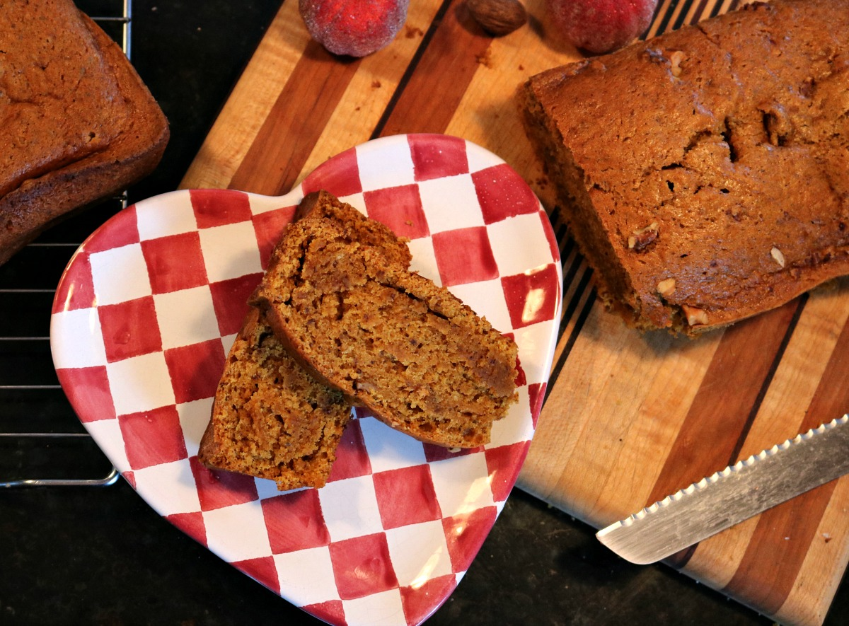In the Kitchen: Super Easy, Vegan Pumpkin Spice Bread
