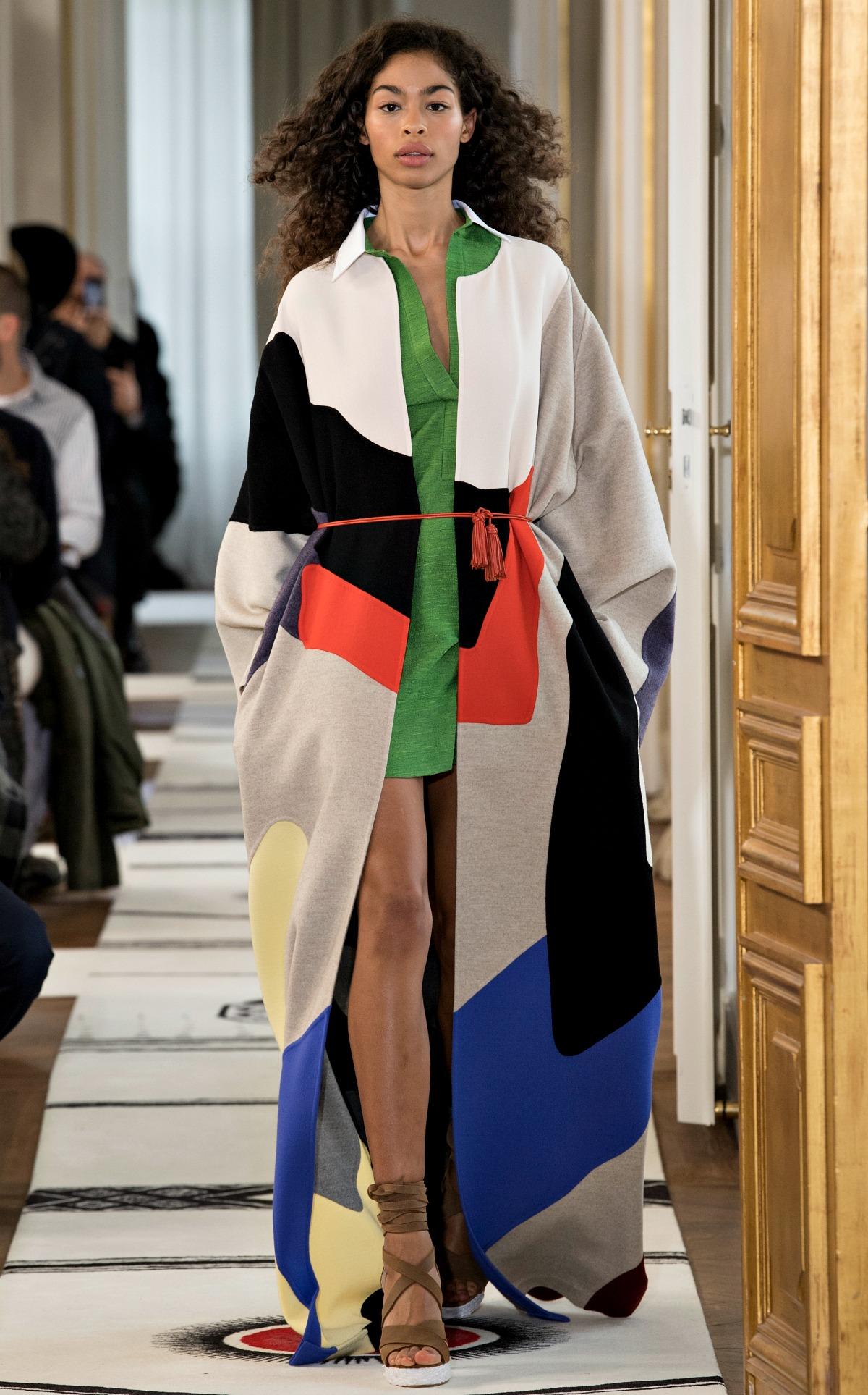Schiaparelli Spring 2018 Couture Runway at Paris Fashion Week I DreaminLace.com