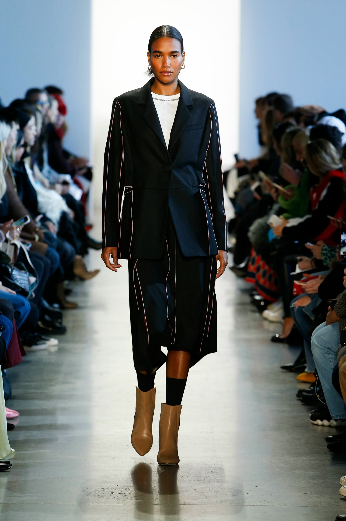 COLOVOS Fall 2018 Runway at NYFW I Millennial Black Wool Seamed Jacket and Skirt Suit #NYFW #WinterFashion