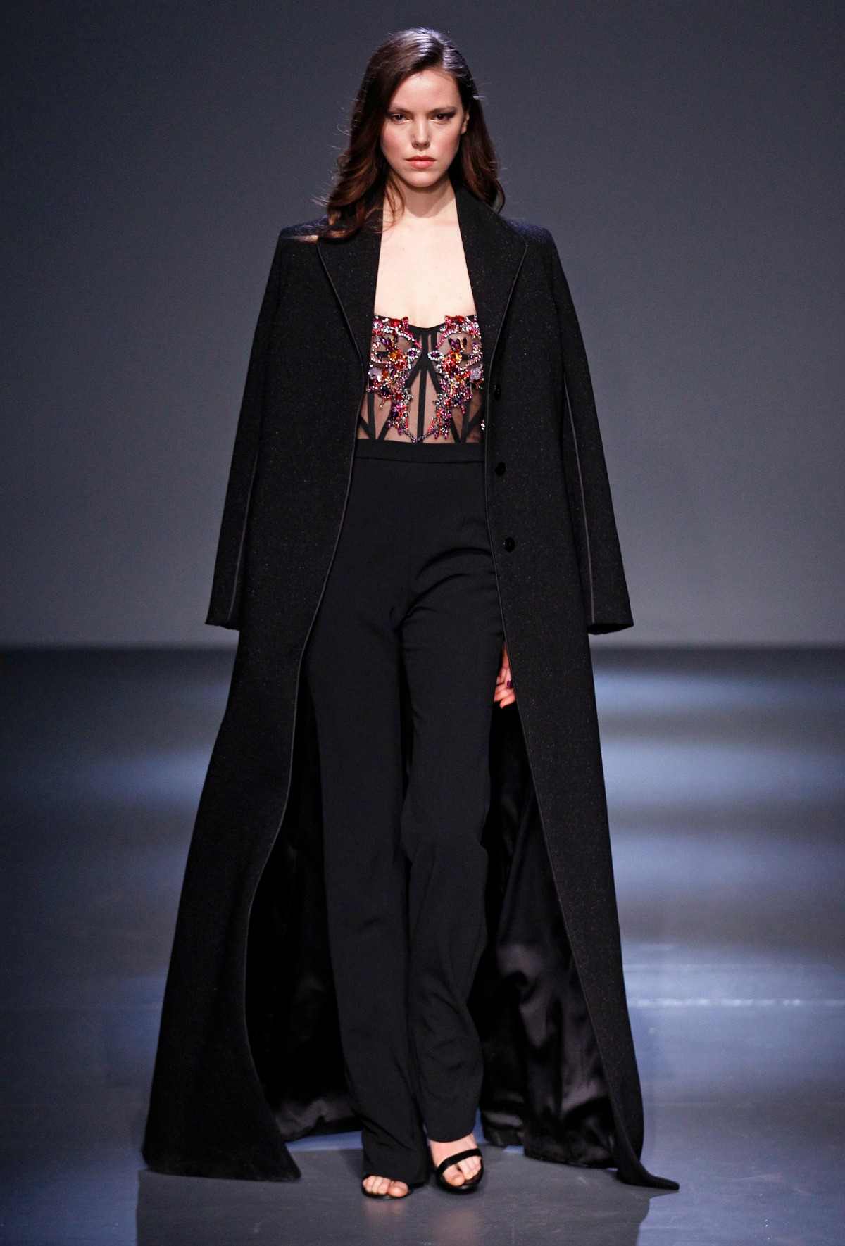 Pamella Roland Fall 2018 Runway I Black Jumpsuit with Embroidered Corset Bodice #NYFW #FallFashion