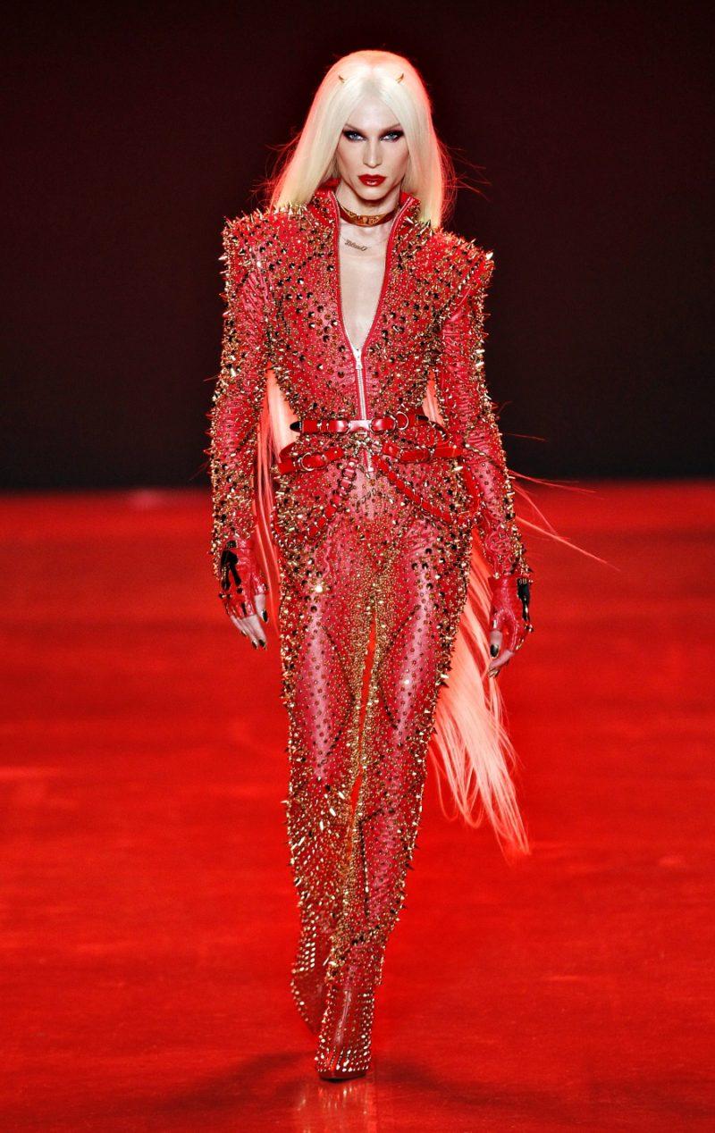 Become celebrity fashion stylist 34
