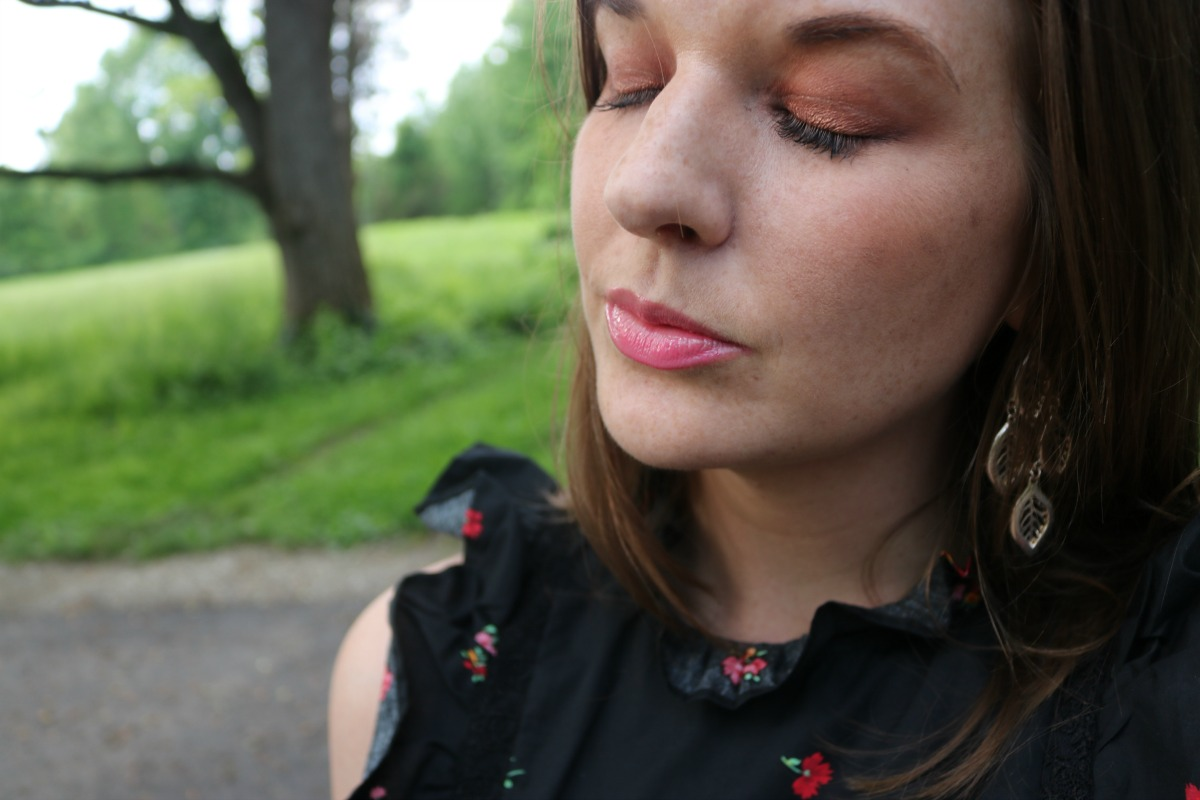 Long-Lasting Summer Makeup Look I DreaminLace.com #SummerMakeup #MakeupTutorial