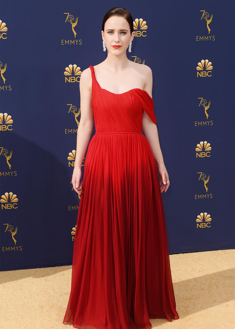 2018 Emmys Best Dressed I Rachel Brosnahan in Oscar de la Renta #Emmys #BestDressed #RachelBrosnahan #OscardelaRenta
