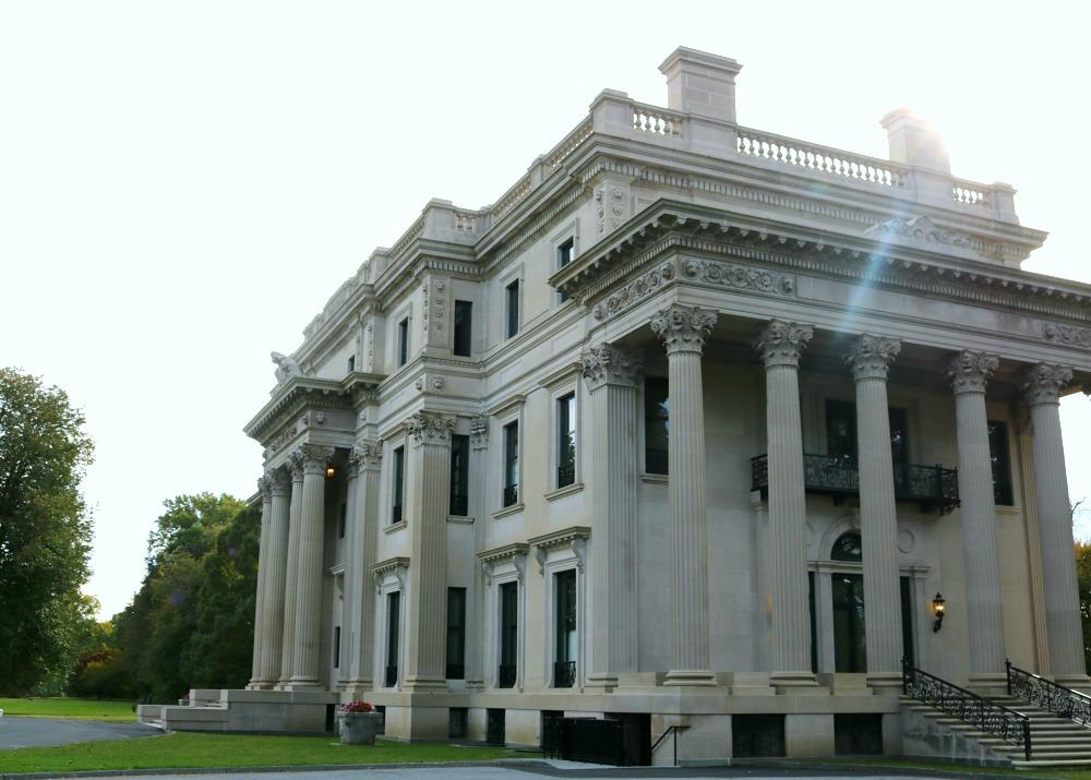 Vanderbilt Estate Tour in Hyde Park, New York I DreaminLace.com #NewYork #Travel