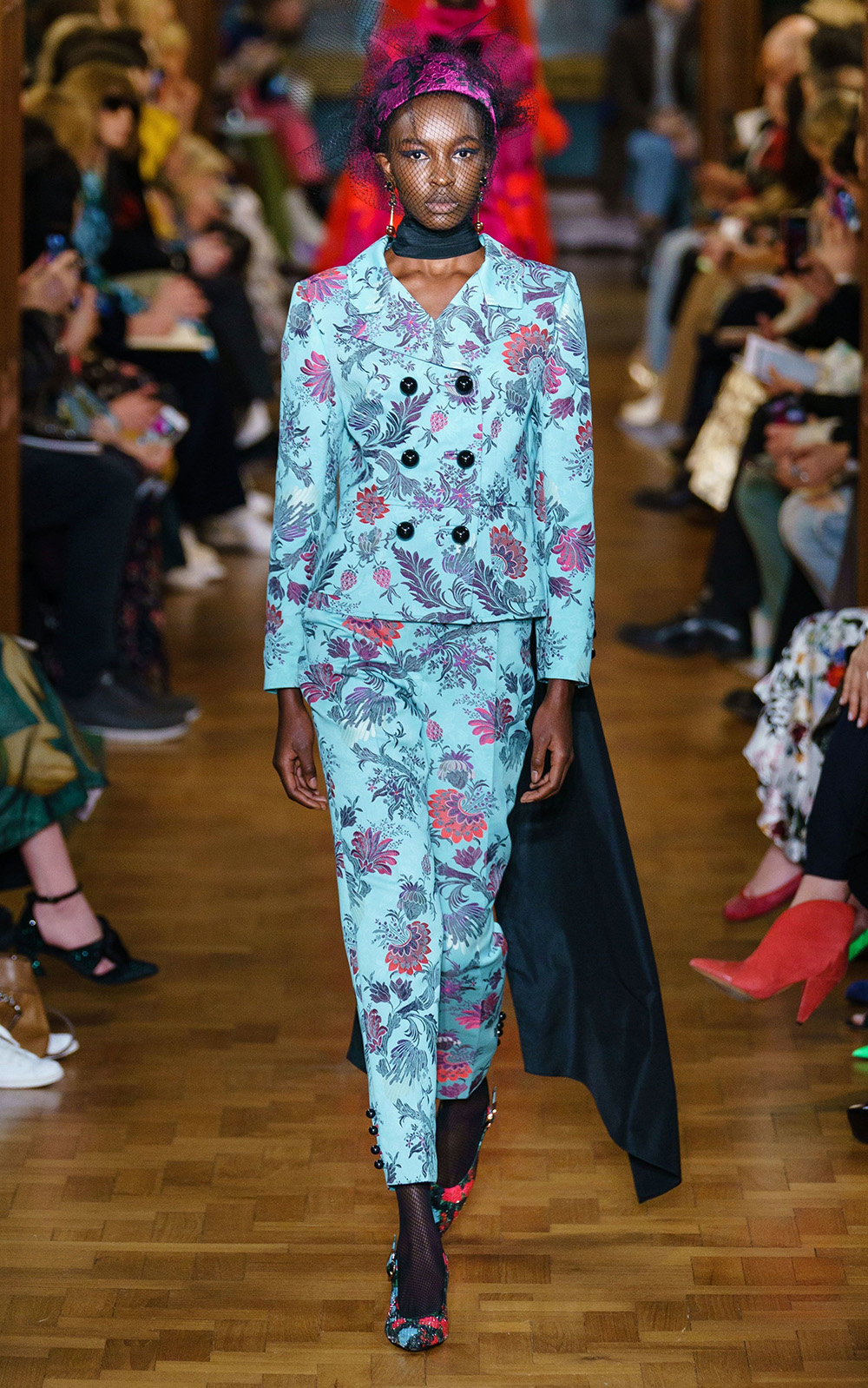 Best London Fashion Week Looks Off the Fall 2019 Runways I Erdem Printed Pantsuit #FashionWeek #LFW #DesignerFashion