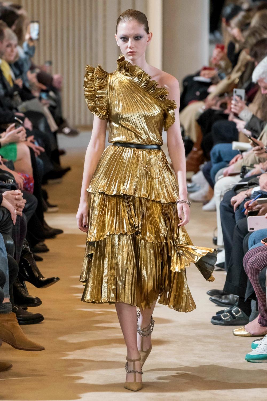 Best Paris Fashion Week Looks - Altuzarra Fall 2019 Runway Collection #PFW #FashionWeek
