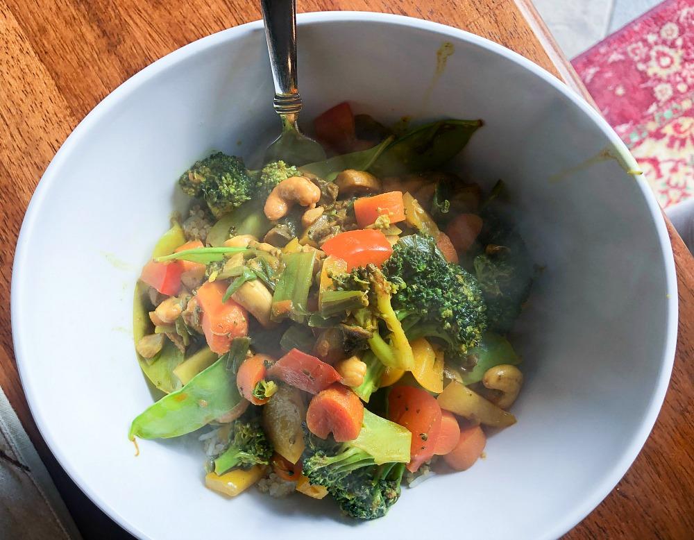 Easy Vegetable Cashew Stir-Fry Recipe I Dreaminlace.com