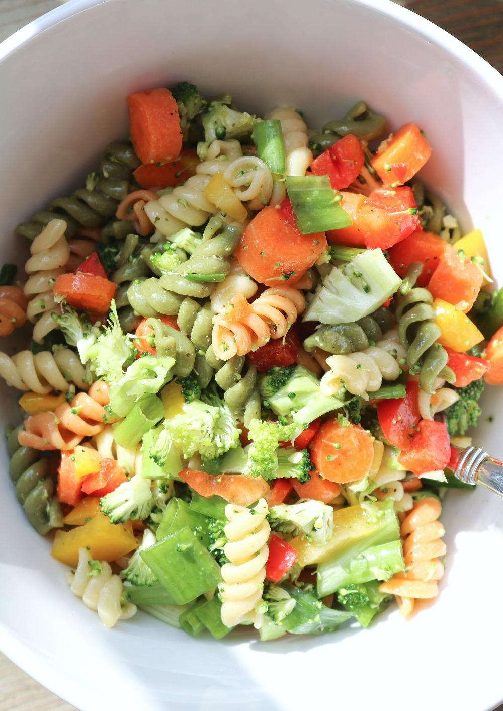 My Favorite Vegan Pasta Salad Recipe I Dreaminlace.com