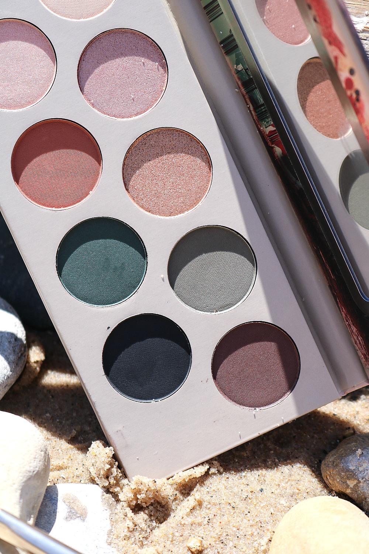 Essence Berlin Eyeshadow Palette Review I Dreaminlace.com