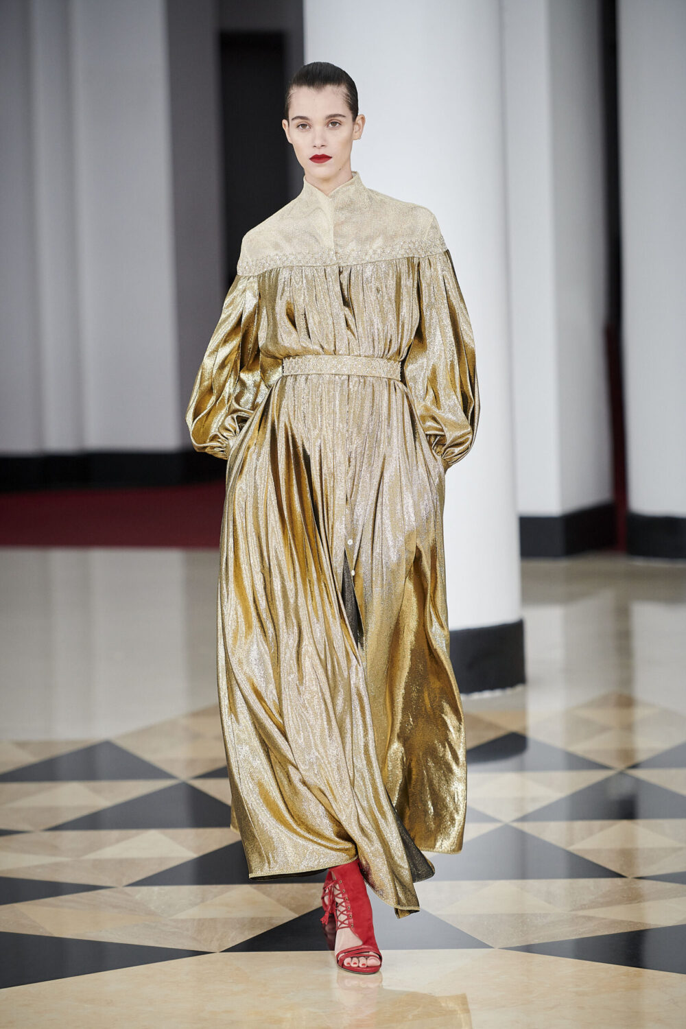 Alexis Mabille Spring 2021 Couture Collection Runway I Dreaminlace.com #couture #luxuryfashion