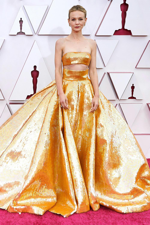 2021 Oscars Fashion I Carey Mulligan in Valentino Spring 2021 Couture #fashionstyle #stylish