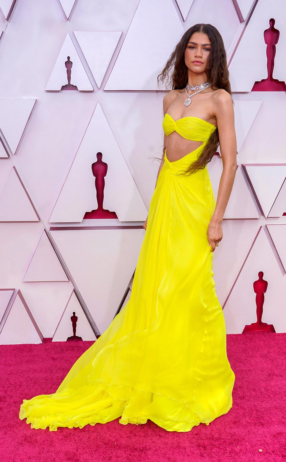 2021 Oscars Fashion I Zendaya in custom Valentino haute couture inspired by Cher #fashionstyle #stylish