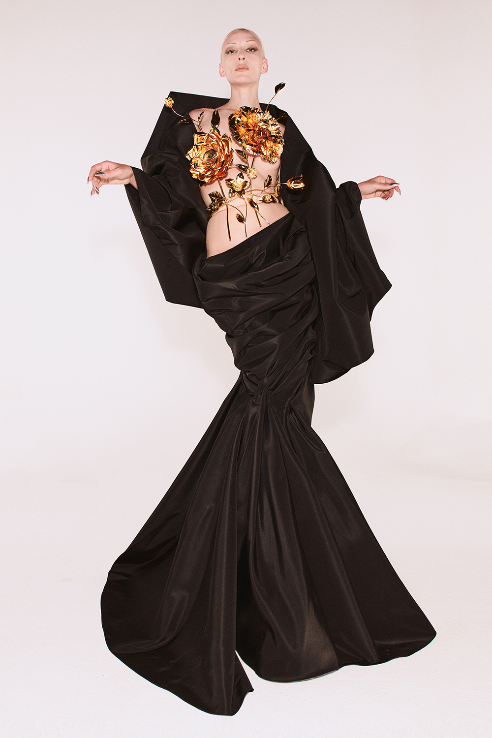 Schiaparelli Fall 2021 Couture Collection by Daniel Roseberry I DreaminLace.com #fashionstyle #couture #womensfashion