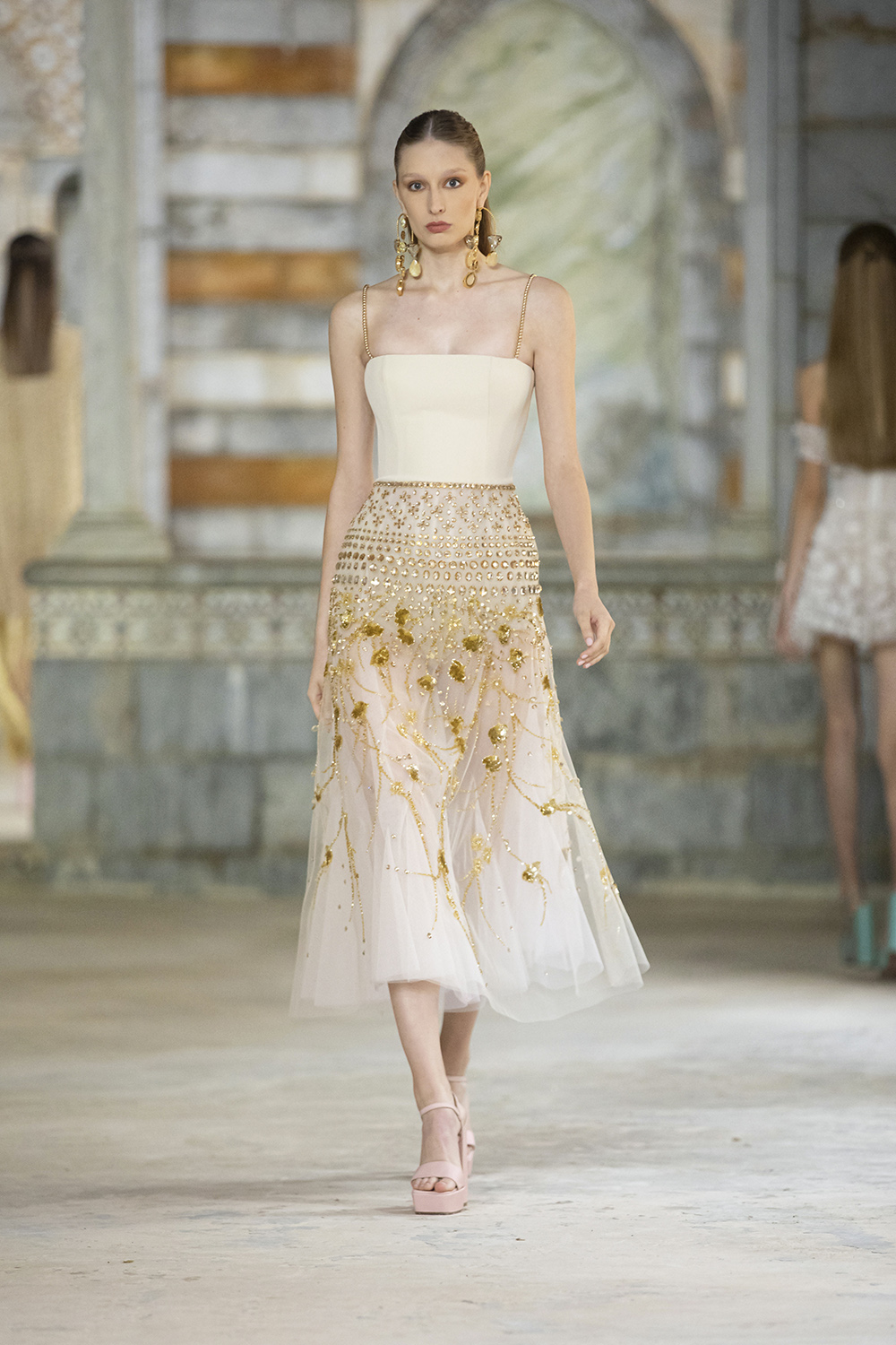 Georges Hobeika SS22 Lace shift dress with floral appliques I DreaminLace.com #fashionstyle